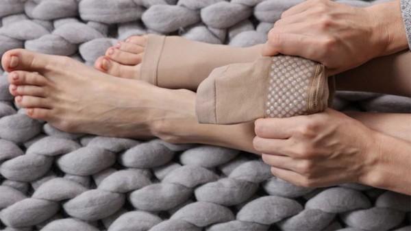 جوراب واریس، طرز پوشیدن، خواص، معایب و راهنمای انتخاب جوراب مناسب…
