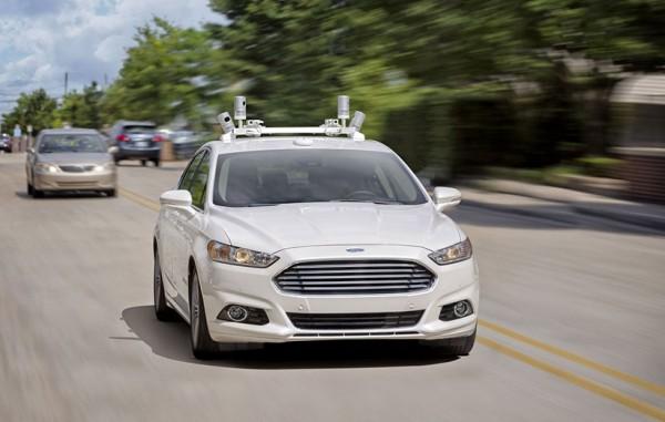 فورد تا سال ۲۰۲۱ یک ماشین خودران بدون فرمان و پدال میسازد…