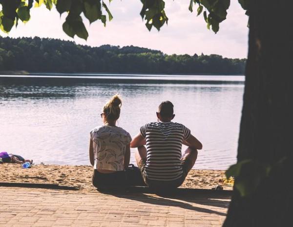 آیا همسرم باید همیشه احساسات مرا درک کند؟ | همسرتان را عاشق کنید…