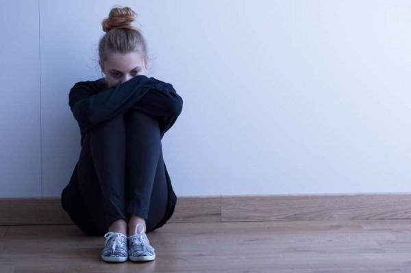 علائم افسردگی در سنین نوجوانی