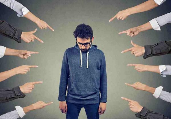 ترس از قضاوت دیگران با راهکارهای باورنکردنی